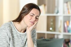 Free Woman Suffering Toothache At Home Royalty Free Stock Photography - 213466477