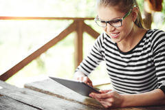 Woman with tablet pc outdoors Royalty Free Stock Photos