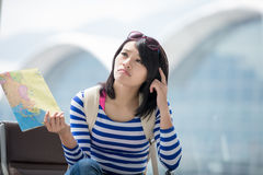 Woman take map and confuse Royalty Free Stock Photos