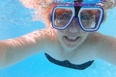 Underwater selfie portrait with scuba mask Royalty Free Stock Photos