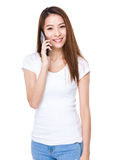 Woman talk to cellphone Royalty Free Stock Images