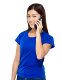 Woman talk to cellphone Royalty Free Stock Photography