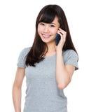 Woman talk to cellphone Royalty Free Stock Photos
