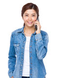 Woman talk to mobile phone Royalty Free Stock Images