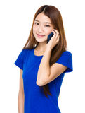 Woman talk to mobile phone Royalty Free Stock Photography
