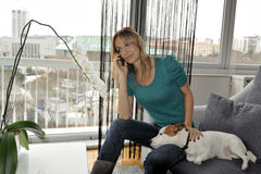 Woman talking on the phone Royalty Free Stock Photos