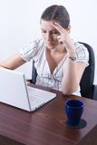 Woman typing on laptop Royalty Free Stock Photography