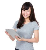 Woman use of the digital tablet pc Royalty Free Stock Photos