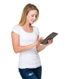 Woman use of tablet Royalty Free Stock Photography