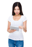 Woman use of tablet pc Royalty Free Stock Photos