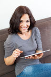 Woman using a laptop Royalty Free Stock Photography