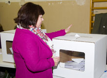 Woman voting Royalty Free Stock Photos