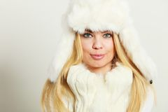 Woman wearing fashionable wintertime clothes Royalty Free Stock Photos