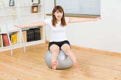 The woman who exercise Royalty Free Stock Image