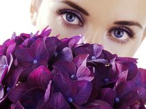 Free Woman With Flowers Royalty Free Stock Photography - 3100537