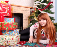 Woman wrapping christmas presents Royalty Free Stock Photography
