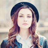 20 woman young makeup blåsigt hår Arkivbild