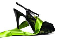 Womanish Schuh mit Stutzengleichheit Stockfoto