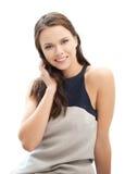 Womanl elegante joven feliz y sonriente al aire libre Foto de archivo