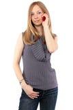 Womanl rubio hermoso que habla en el teléfono Imagen de archivo libre de regalías