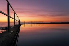 Wombarra-Pool-Sonnenaufgang Stockbilder