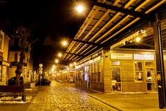 Women's市场在夜之前在索非亚,保加利亚 库存图片
