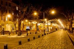 Women's市场在夜之前在索非亚,保加利亚 免版税库存照片