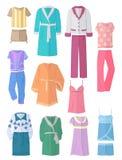 Women& x27; abbigliamento della famiglia di s nella progettazione piana royalty illustrazione gratis