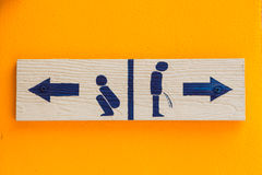 Free Women And Men Toilet Sign Royalty Free Stock Image - 38846496