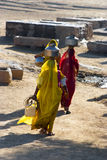 Women carrying water in Rajasthan Stock Photography