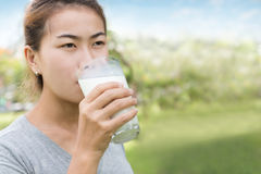 Women drinking milk healthy lifestyle Royalty Free Stock Photos