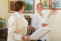 Women in gallery Royalty Free Stock Photo