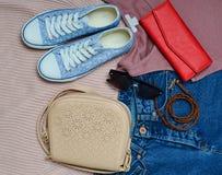 Women& x27 ; habillement, chaussures et accessoires de s Photo libre de droits