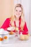 Women with potato Royalty Free Stock Photos