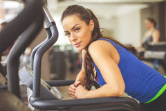 Women running on treadmill Royalty Free Stock Photography