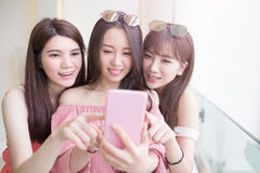 Women selfie in mall Royalty Free Stock Photography