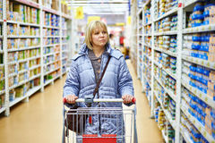 Women shopping in supermarket Royalty Free Stock Images