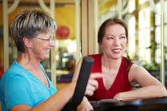 Women talking in gym Royalty Free Stock Images
