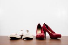 Women& x27; s и men& x27; ботинки s Стоковые Изображения RF