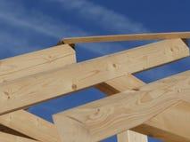 Woningbouw houten dak Stock Foto