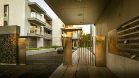 Woningbouw - moderne architectuur Royalty-vrije Stock Afbeelding