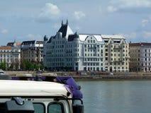 Woningbouw op de kusten van de Donau in Boedapest Stock Foto