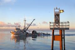 Wonton łódź przy świtem zdjęcie royalty free