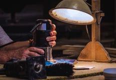 Wood arbetehänder Arkivfoto