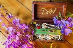 Wood ask för bröllop Royaltyfri Fotografi