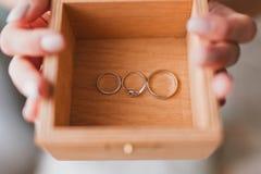 Wood ask för bröllop Arkivbild