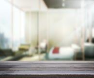 Wood bakgrund för tabellöverkanten i sovrummet 3d framför Arkivfoto