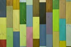 Wood bakgrundstextur av små färgrika plankor Fotografering för Bildbyråer