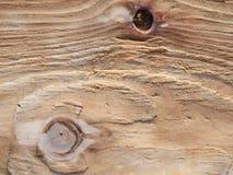 Wood brädeyttersida red ut vid bakgrund för havsvatten, textur, Royaltyfri Bild