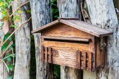 Wood brevlåda Royaltyfri Fotografi